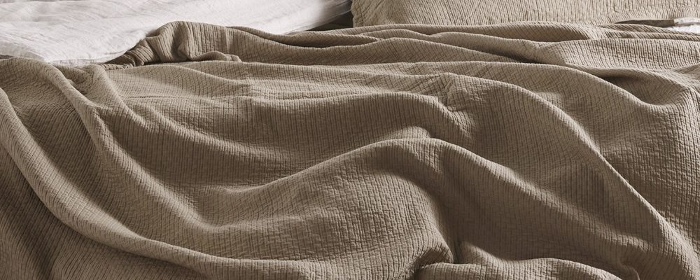 washed-cotton-coverlet-latte